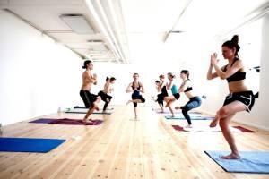 Hot Yoga med Infrarød Varmepanel